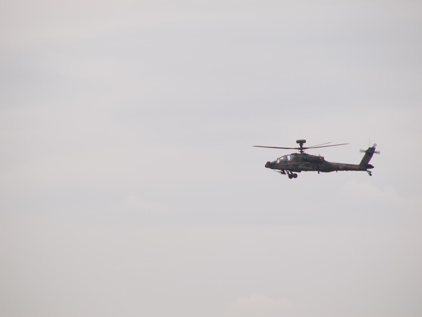 E0517199-11 攻撃ヘリ.JPG